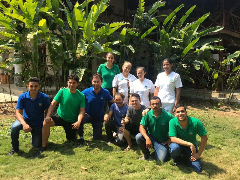 Equipo de trabajo de Eco hotel La JOrara en la Sierra Nevada de Santa MArta